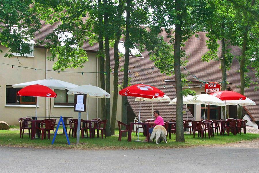 Camping Du Bois Du Cé - Camping du Bois de Chi u00e8vreà Bonneval CampingCard ACSI
