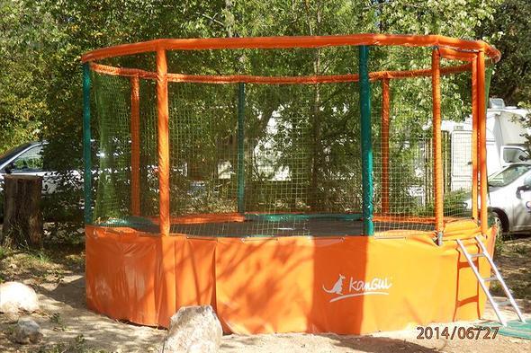Camp. Naturiste La Source St. Pierre