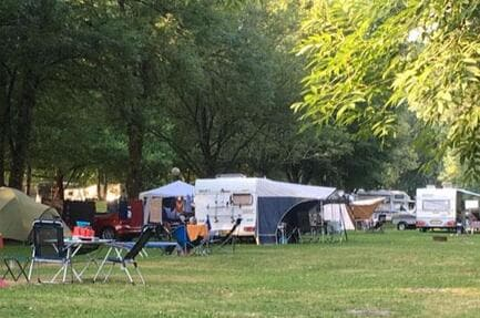 Au Camping de la Ferme