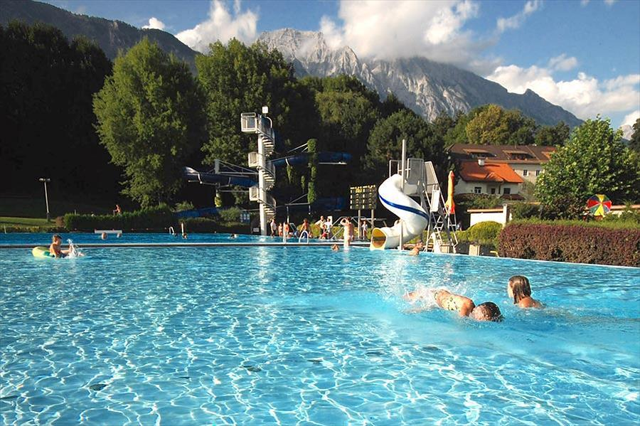 Schwimmbad Camping Hall in Tirol